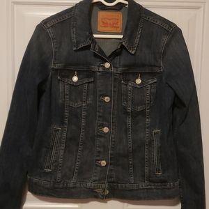Like New! Levi's jean jacket